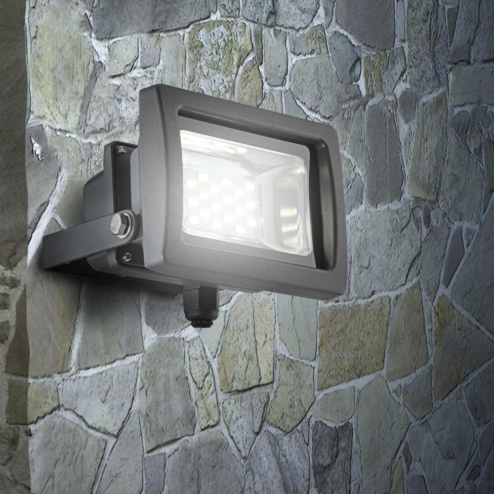 schwenkbarer led baustrahler f r den au enbereich lampen m bel au enleuchten strahler scheinwerfer. Black Bedroom Furniture Sets. Home Design Ideas